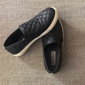 Steve Madden quilted ECENTRCQ Slip-ons
